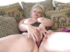 broad in the beam mature bonking their way tight pussy
