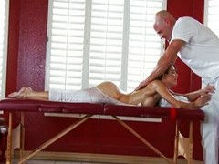 Jenni Lee massage