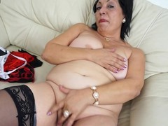This horny mama can't live lacking in there get wet on her sofa