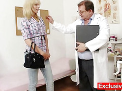 Blonde Bella Morgan visit gynoclinic to have say no to pussy gyno examined