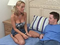 Gaffer girlfriend giving handjob and attracting facial